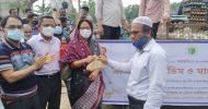 কমলগঞ্জে ভ্রাম্যমাণ গাড়িতে দুধ ডিম মাংস বিক্রি