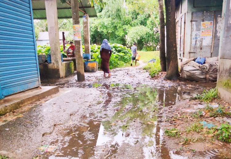 সুনামগঞ্জের বালাকান্দা বাজারে জলাবদ্ধতা